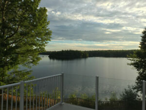 Large lakefront cottage - 1hr40mins from Halifax - Sat 6-13 July