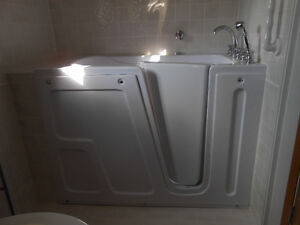 Seabridge Walk-In Tub with 12 jets