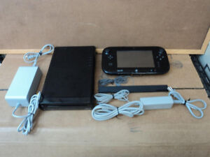 Console Nintendo Wii U avec 6 jeux / Wii with 5 Games