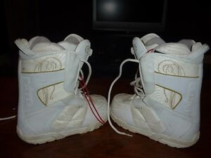 Women's Size 8.5 Nitro Snowboard Boots Cambridge Kitchener Area image 1