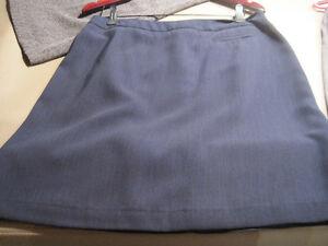 7 Women's Skirts Cornwall Ontario image 4
