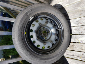 Set of Car Tires with Rims Kumho Solus KH25