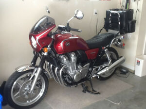 2014 classic red Honda CB1100 Deluxe Retro 4 cylinder in line
