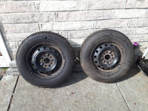 2 Goodyear tires on rims 195/70R14
