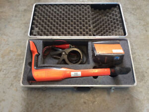 LINE LOCATOR - Metrotech VM-810 DX TX + RX with accessories