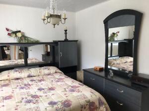 Tête de lit, commode, armoire, Matelas 60, Sommier