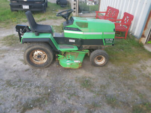 DEUTZ-ALLIS 1916 SHAFT DRIVE PTO LAWN TRACTOR