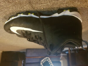 Brand new! Mens Nike FastFlex cleats. Never worn. Size 12