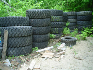 lot pneus militare  military tires 20'' voitures 15'' 16'' mix West Island Greater Montréal image 1