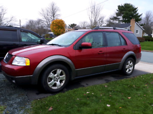2005 ford freestyle AWD 2750 obo