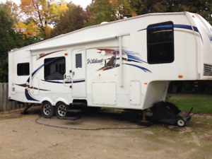 2011 Wildcat fifth wheel