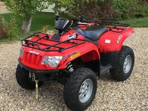 2011 Arctic Cat 450 H1 EFI 4x4    Only 611 km