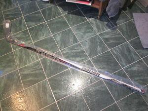Bauer Vapor X700 RH Hockey Stick *NEW*