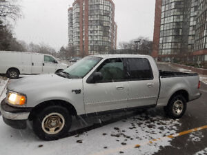 2003 Ford F-150 Super crew CERTIFIED and e-tested. Pickup Truck