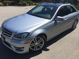 2014 Mercedes-Benz C-300 Sedan LOW KM 22KMS!!