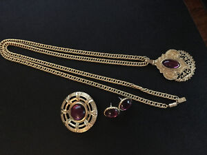 Various Costume Jewellery Sets, necklace, earrings