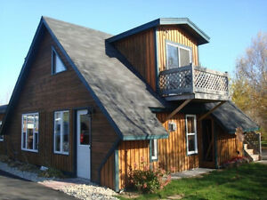 Beau petit chalet á louer/ cute cottage for rent