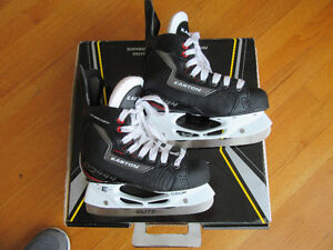 Easton Synergy EQ444 Skates Size 2 EE