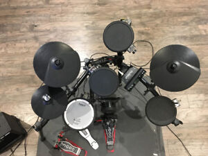 Roland Electronic Drums WITH TD-4 Sound Module