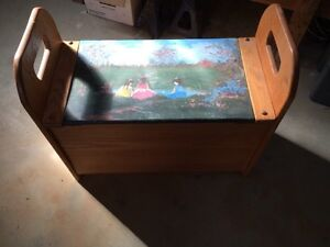 Oak storage bench with painted scene