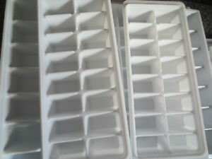 clean Ice cube trays