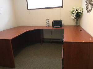 office desk in immaculate condition