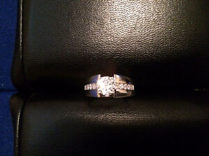 14K White gold diamond engagement ring Kitchener / Waterloo Kitchener Area image 2