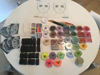 Maquillage professionnel pour maquiller les enfants. 420$ le kit