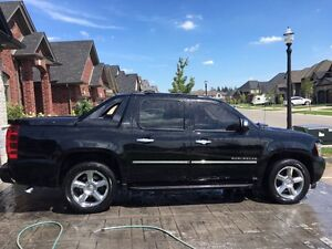 FULLY LOADED CHEVY AVALANCHE LTZ