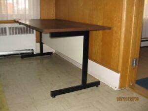Bureau de travail achetez ou vendez des bureaux dans lanaudière