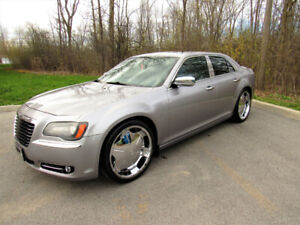 2013 CHRYSLER 300S WITH CARPROOF FULLY LOADED!!!