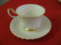 Royal Albert Val D'Or China - Cups and Saucers (9)