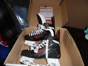 Patin de hockey 9.5 pour homme CCM RBZ
