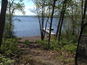Cottage for Sale in Beautiful Belleisle Bay