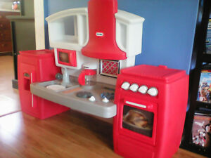little tikes kitchen Kingston Kingston Area image 1