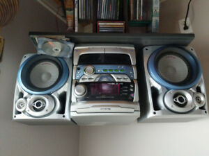 Old School Pioneer Stereo with cassette and CD in mint condition