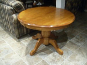 round solid table