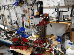 Milling machine bench top style.