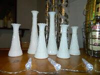 vase en verre de lait milk glass pour le decor des tables