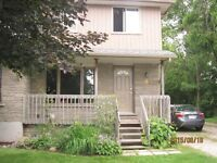 INCLUSIVE -MAY 1ST - 185 HURON - LEGAL 3 BR two level