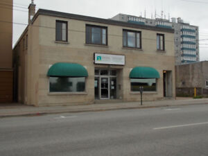 4700 square foot office with 12 parking spaces! Available NOW!