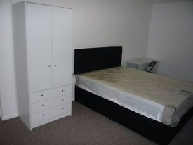 Spacious furnished large room available immediately in Ely