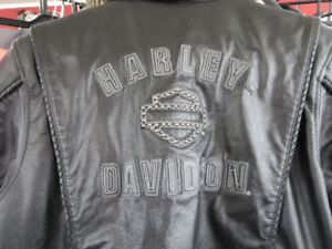 Ladies  Harley Davidson Leather Motorcycle Jacket  Re-Gear