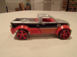 Loose Hot Wheels Dodge M80 Pick-up 1/64 Scale Diecast Car. Sarnia Sarnia Area image 2