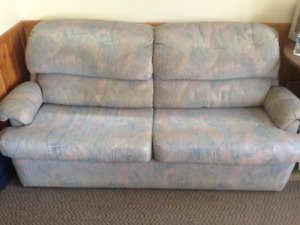 ** Dropped by Half/ Going Today !Hide away sofa bed going cheap!