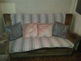 Green Dralon 3 piece suite, good con, very comfy. Will split.