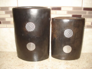 Set of 2 Small Vases