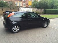 Black Ford Focus 1.6 ebony
