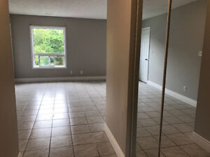 3 bedroom apartment in downtown Whitby for rent!