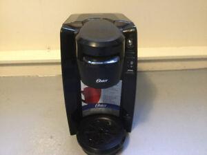 Single coffee maker. Like new $40.00